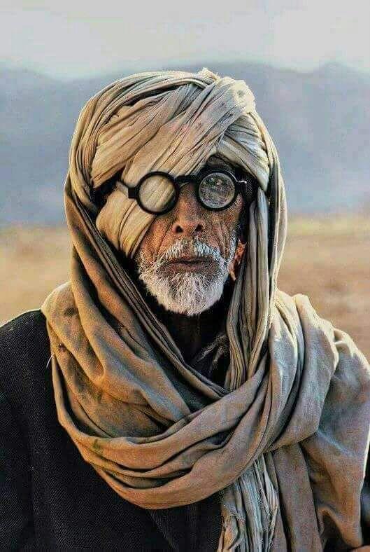 अमिताभ बच्चन के ठग्स ऑफ़ हिंदोस्तान के लीक हुए हुए फ़ोटो की असली सच्चाई ये है