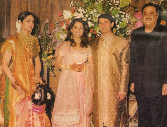 Madhuri Dixit B'DAY SPL: जब माधुरी दीक्षित की शादी में बेटी जाह्नवी व बोनी कपूर के साथ पहुंची थी श्रीदेवी