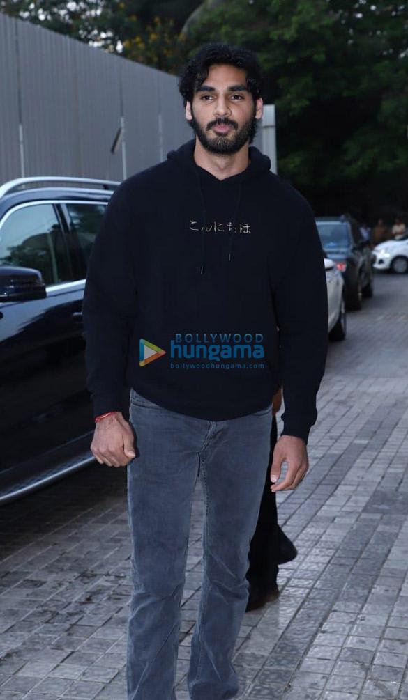 अक्षय कुमार, तारा सुतारिया, सुशांत सिंह राजपूत और अन्य ने पीवीआर जुहू में आयोजित हुई एवेंजर्स: एंडगेम की स्पेशल स्क्रीनिंग की शोभा बढ़ाई