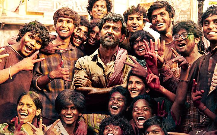 Super 30 Movie Review: ॠतिक रोशन ने आनंद कुमार के संघर्ष और जीत को दिल से जिया