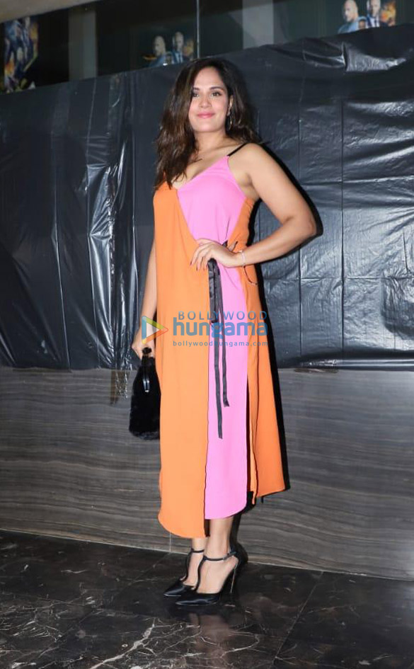 Photos: अक्षय कुमार, सोनाक्षी सिन्हा और अन्य फ़िल्म 'खानदानी शफ़ाखाना' की स्पेशल स्क्रीनिंग में शामिल हुए