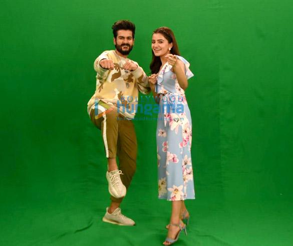 Photos: रुख्सार ढिल्लो और सनी कौशन अपनी फ़िल्म भंगड़ा पा ले को प्रमोट करते हुए नजर आए