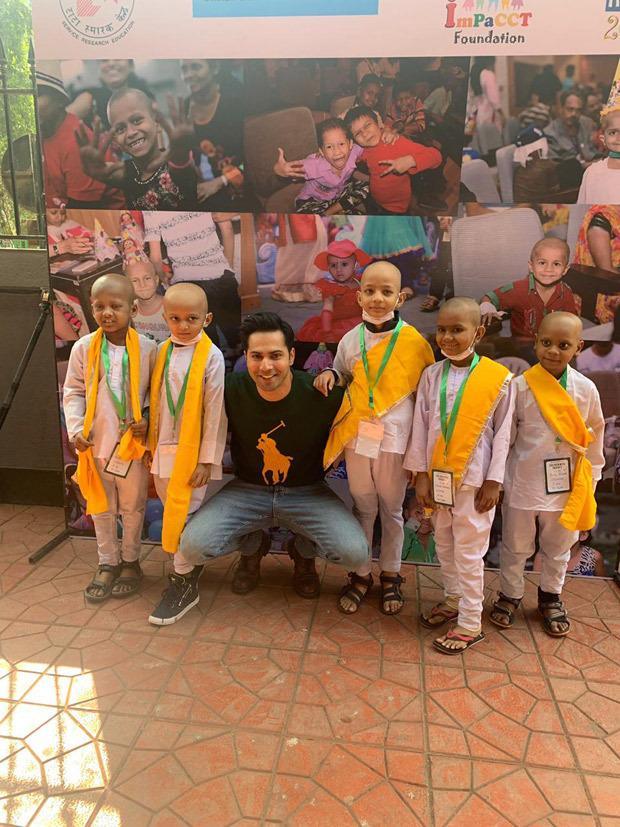 वरुण धवन ने  कैंसर पीड़ित बच्चों के साथ 'फ़र्स्ट क्लास' गीत पर डांस कर बच्चों के चेहरे पर बिखेरी मुस्कान