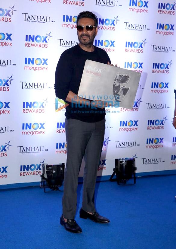 Photos: तान्हाजी-द अनसंग वॉरियर की आईनॉक्स में स्कूल के बच्चों के लिए आयोजित एक्सक्लूसिव स्क्रीनिंग में शामिल हुए अजय देवगन और शरद केलकर