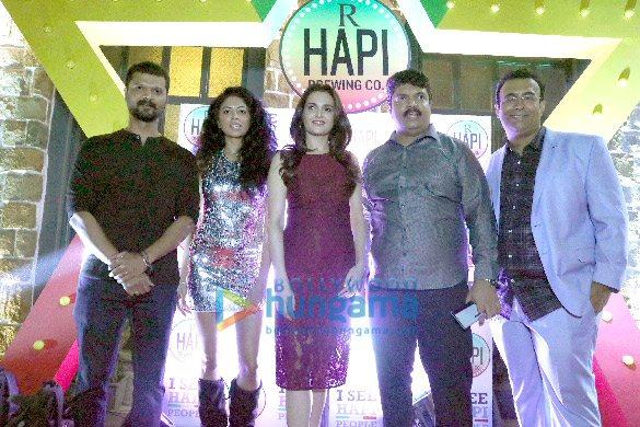 Photos: सितारों ने Hapi Brewing Co. के लॉंच की शोभा बढ़ाई