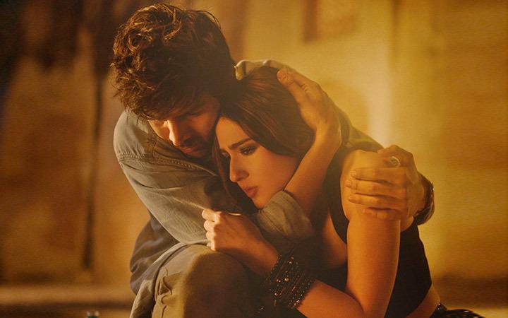 Love Aaj Kal Movie Review: वैलेंटाइन्स डे पर रोमांटिक फ़ील देती है कार्तिक-सारा की लव आज कल