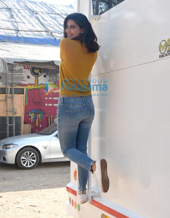 Photos: अदनान सामी और आहना कुमरा फ़िल्मसिटी में नजर आए