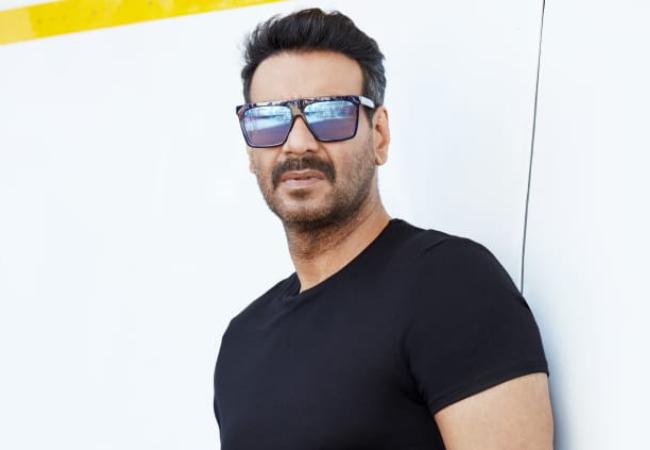 अजय देवगन गलवान घाटी में शहीद हुए 20 भारतीय सैनिकों के शौर्य पर बनाएंगे फ़िल्म