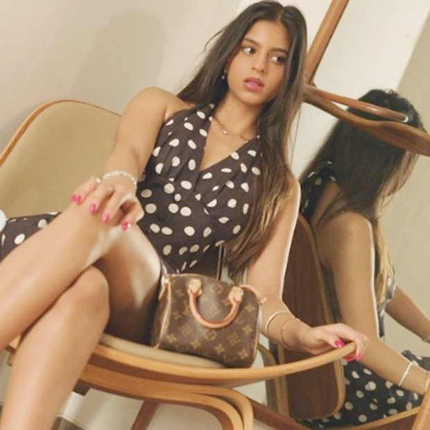 सुहाना खान ने लग्जरी हैंडबैग के साथ फ़्लॉंट किया अपना स्टनिंग लुक