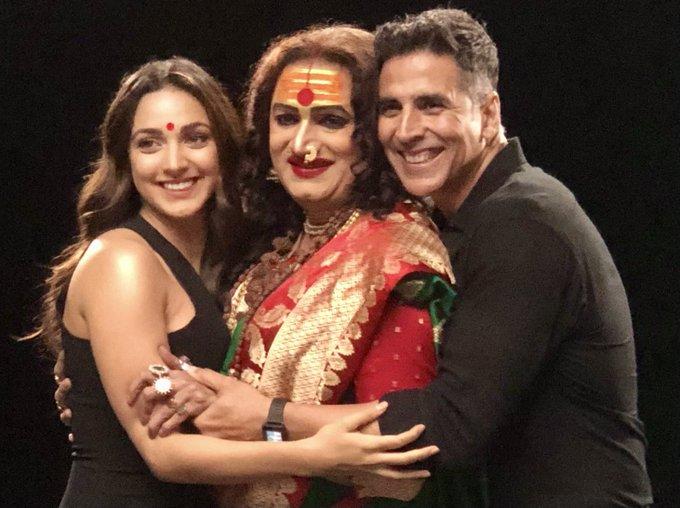 द कपिल शर्मा शो में लक्ष्मी बॉम्ब का प्रमोशन करने पहुंचे अक्षय कुमार ने कपिल शर्मा पर लगाया 'रिश्वत' का फ़नी आरोप