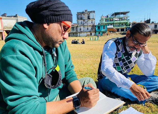 अनुभव सिन्हा की अगली फिल्म जंगल पर आधारित हो सकती है, तस्वीरों से मिला हिंट ?