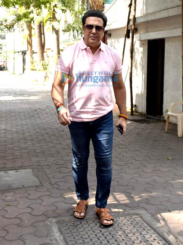 Photos: गोविंदा जुहू में नजर आए