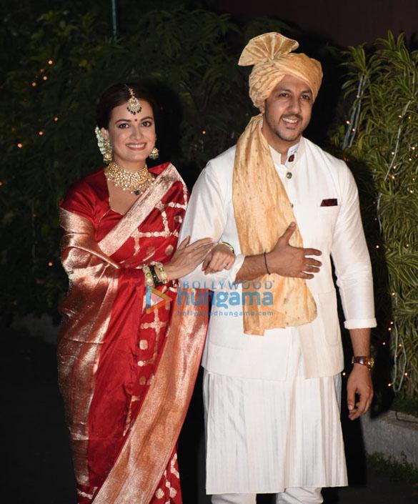 Photos Dia Mirza and Vaibhav Rekhi pose for the paparazzi as married couple (4)