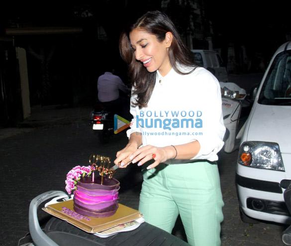 Photos: सोफी चौधरी ने अपना जन्मदिन सेलिब्रेट किया