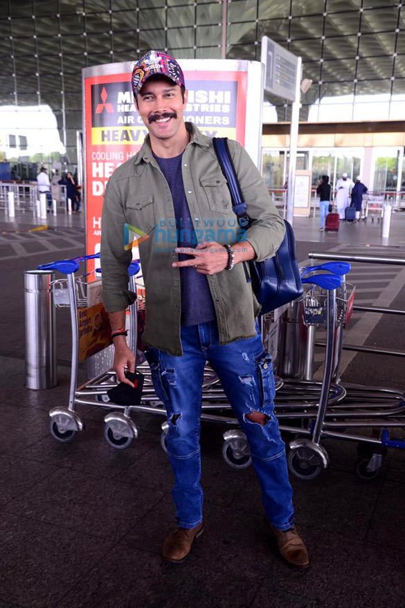 Photos: दीया मिर्जा, प्रणिता सुभाष, रजनीश दुग्गल और अदिति शर्मा एयरपोर्ट पर नजर आईं