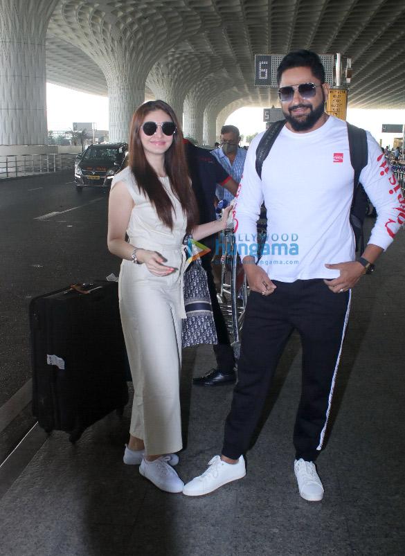 Photos: उर्वशी रौतेला, प्राची देसाई, ज़रीन खान और शेफाली जरीवाला एयरपोर्ट पर नजर आईं