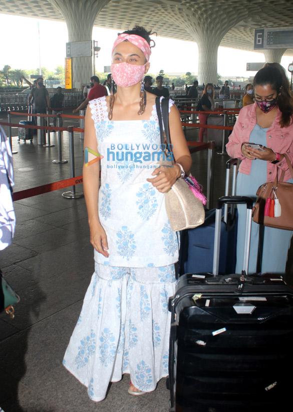 Photos: तापसी पन्नू, रिया चक्रवर्ती, अमायरा दस्तूर और अन्य एयरपोर्ट पर नजर आए