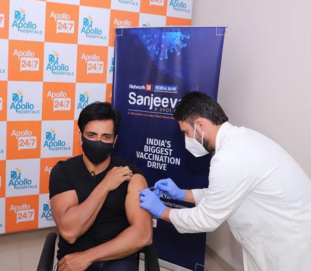 कोरोना वैक्सीन लेने के अलावा सोनू सूद ने शुरू किया सबसे बड़ा टीकाकरण अभियान  'संजीवनी'