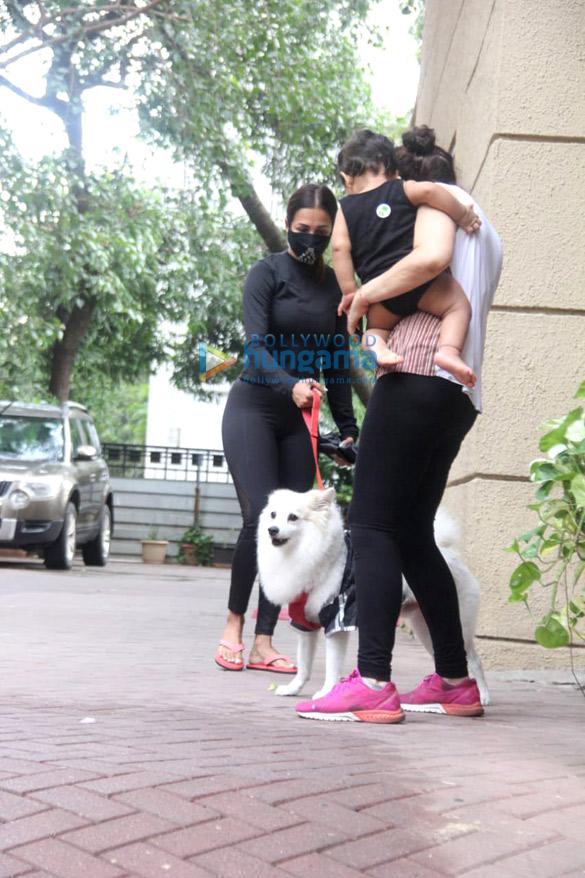 Photos: मलाइका अरोड़ा बांद्रा में नजर आईं