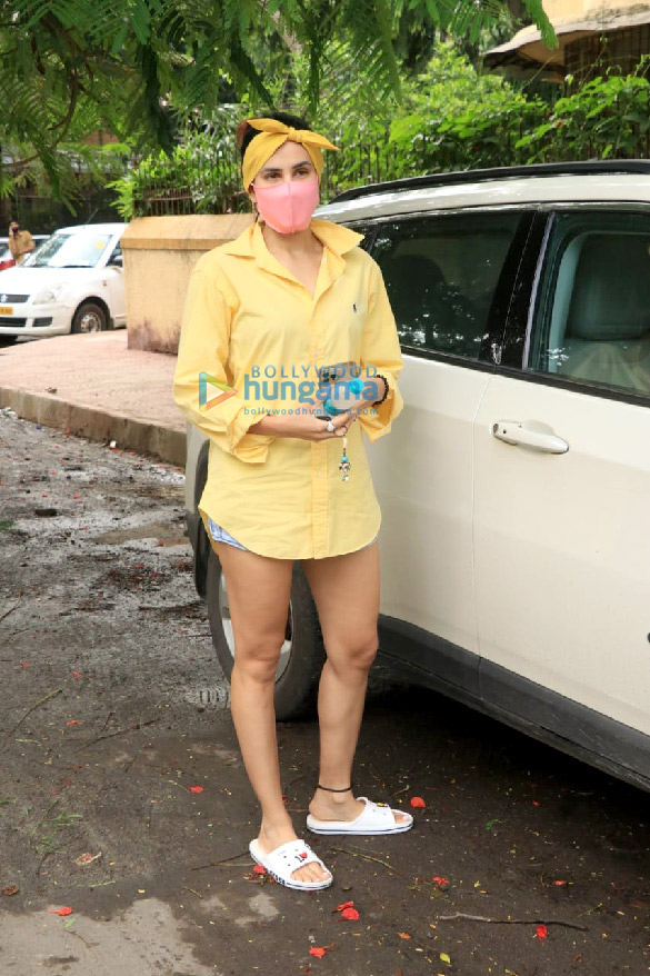 Photos: सोनाली सहगल बांद्रा में नजर आईं