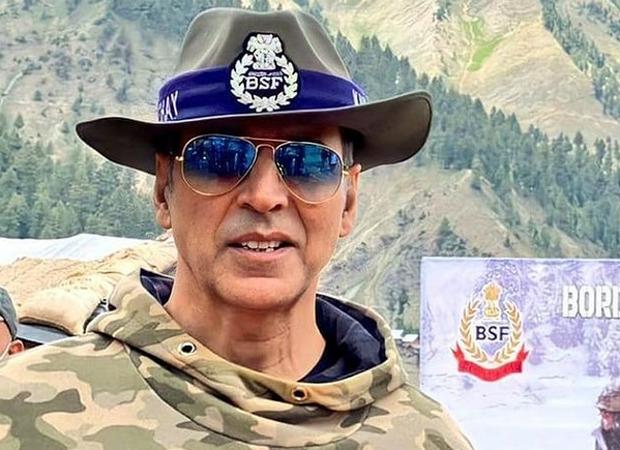 अक्षय कुमार ने कश्मीर में स्कूल बनवाने के लिए डोनेट किए 1 करोड़ रु, BSF ने अक्षय के पिता के नाम पर रखा स्कूल का नाम