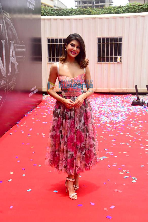 Photos: जैकलीन फर्नांडीज ने फिल्म विक्रांत रोणा से अपने लुक को रिवील किया
