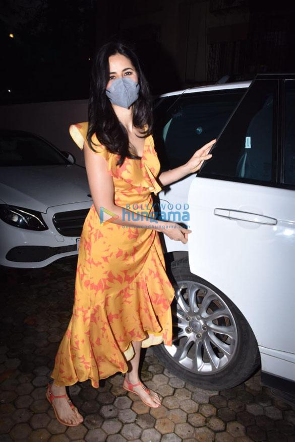 Photos: कैटरीना कैफ संजय लीला भंसाली के जुहू स्थित ऑफिस में नजर आईं